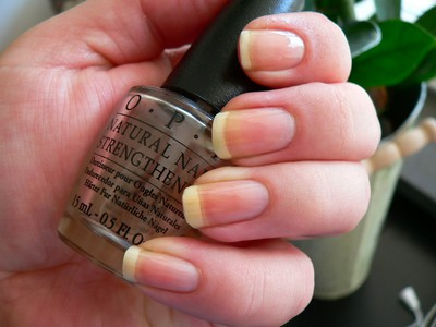OPI Natural Nail Strengthener - Sminkan och Emma