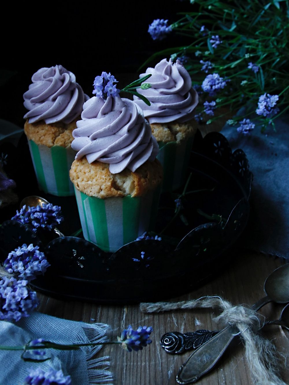 Earl Grey cupcakes med lavender frosting 1
