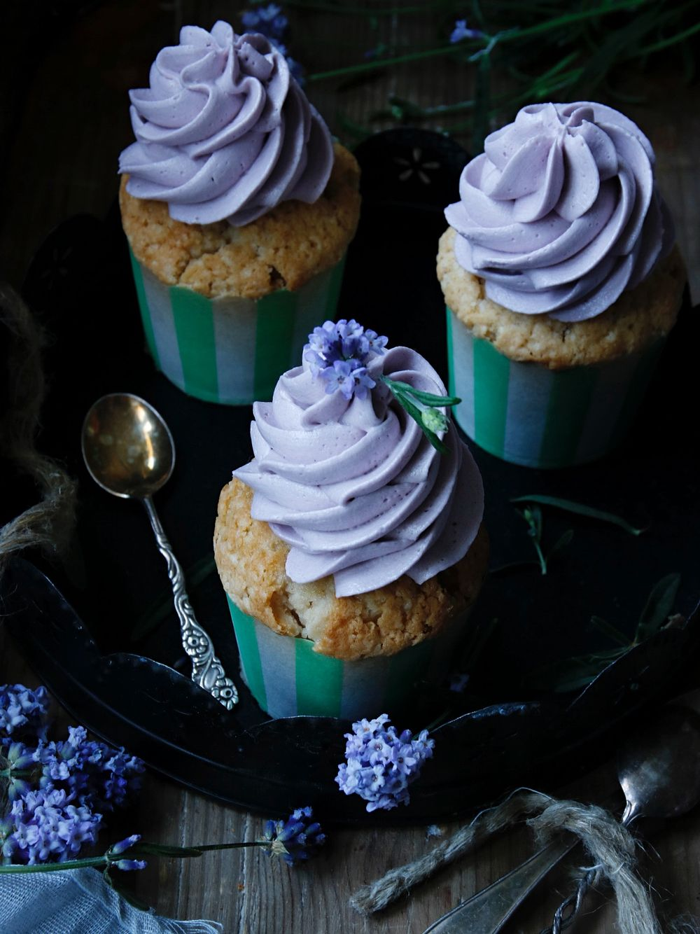 Earl Grey cupcakes med lavender frosting 5