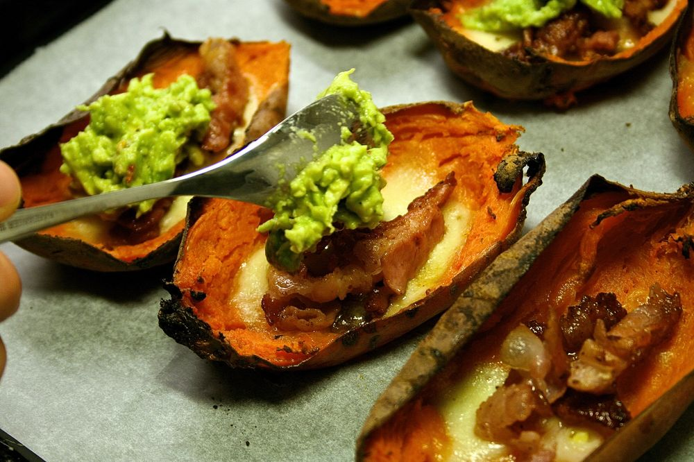 Matkrabat - Sweet potato skins med mozzarella, knaperstekt bacon ...