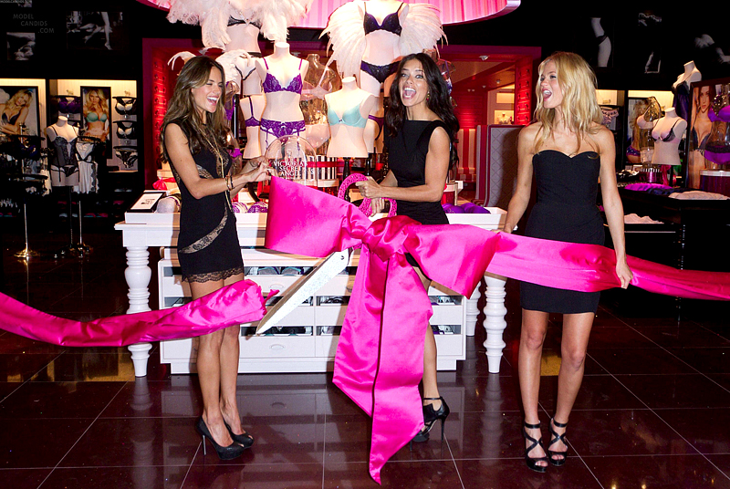 victoria_secrets_store_opening-1511212