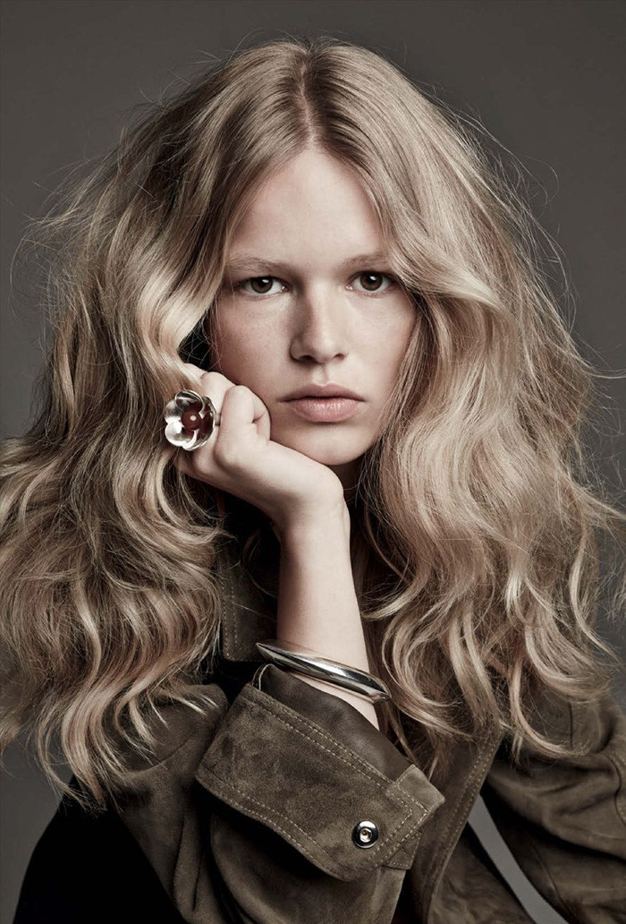 anna-ewers-patrick-demarchelier-vogue-march-6
