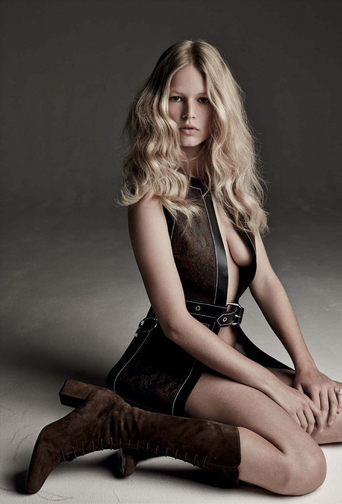 anna-ewers-patrick-demarchelier-vogue-march-7