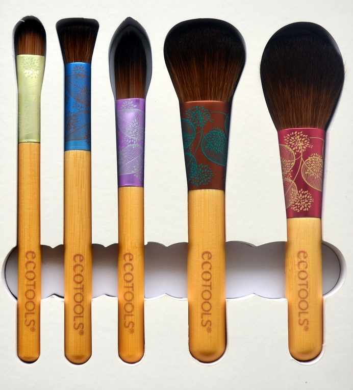 ecotools-fresh-flawless-complexion-set-brushes2.png