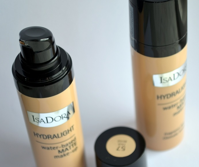 isadora-hydralight-foundation-matte1.png