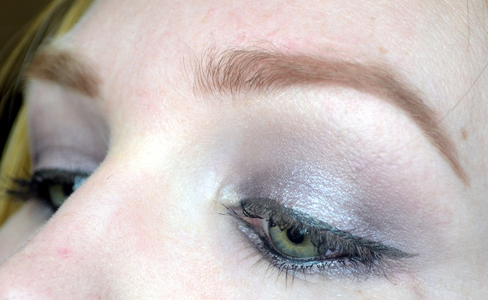 isadora smoky mauve palette look3.png