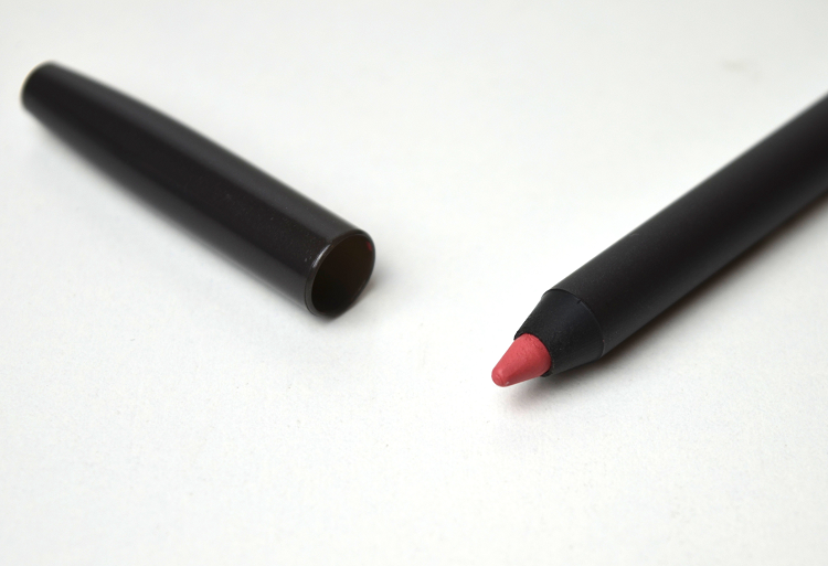 mac pro longwear lip liner in anticipation2