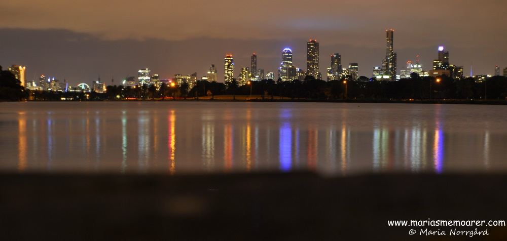 Cityline by night, Melbourne, photo taken in Albert Park