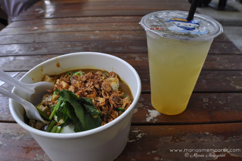 singaporean food: Mee Rebus and Iced Honey Ginger Tea / singaporiansk mat: Mee Rebus nudelsoppa och iste med honung och ingefära