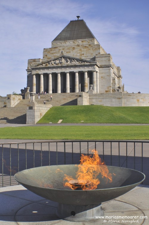 Eternal Flame at Shrine of Remembrance / Eviga lågan, Melbourne