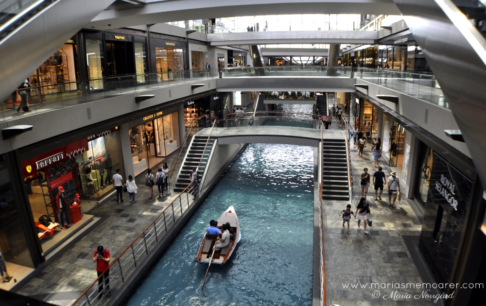 lyxshoppingcenter i Singapore - The Shoppes i Marina Bay Sands