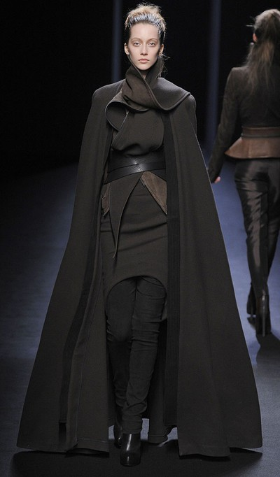 http://www.fashionising.com/pictures/b--Haider-Ackermann-structured-futurism-Fall-2010-3265.html