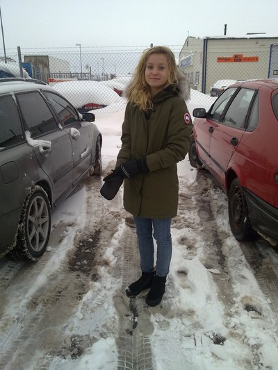 Min syster i sin nya canada goose