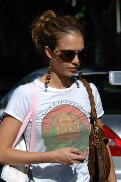 I want this t-shirt - Jessica Alba