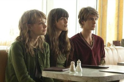 Never Let Me Go med bla Carey Mulligan & Keira Knightley