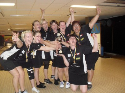 WE ARE THE CHAMPIONS  WE ARE THE CHAMPIONA    Team Skövde BC - Vinnare av: Vilbergen Ladies Cup 2010 <3