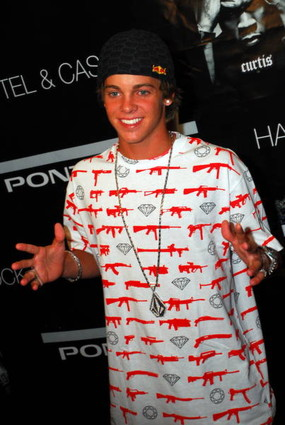 Ryan Sheckler dating Chanel västkusten