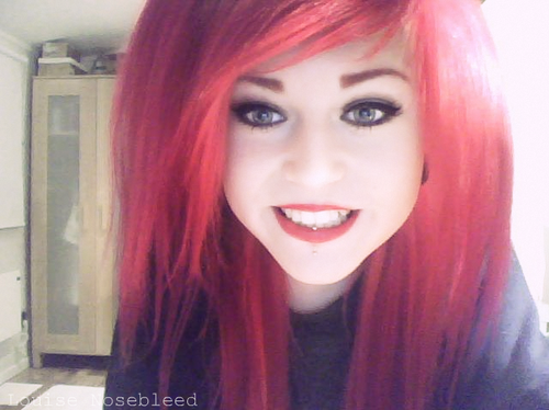 epicwaste louise Nosebleed red hair red lips vertical labret piercing swedish girl emo hipster cute smiling