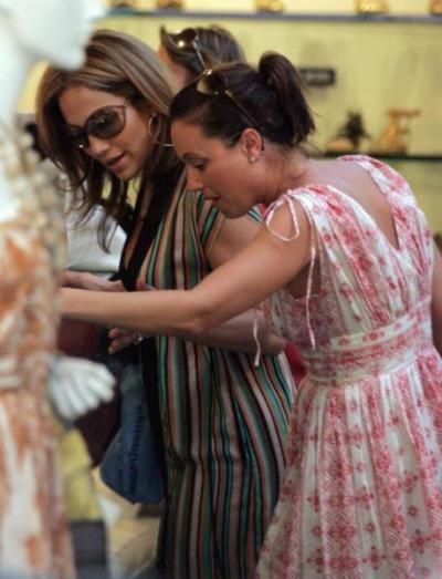 Leah Remini shopping