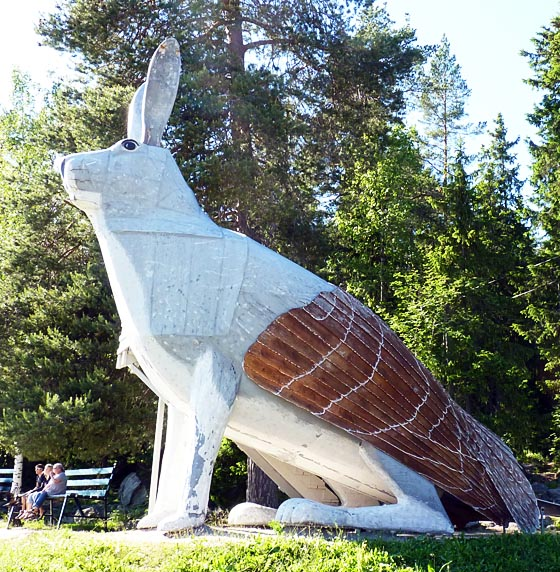 Giant Skvader (half hare, half capercaillie)