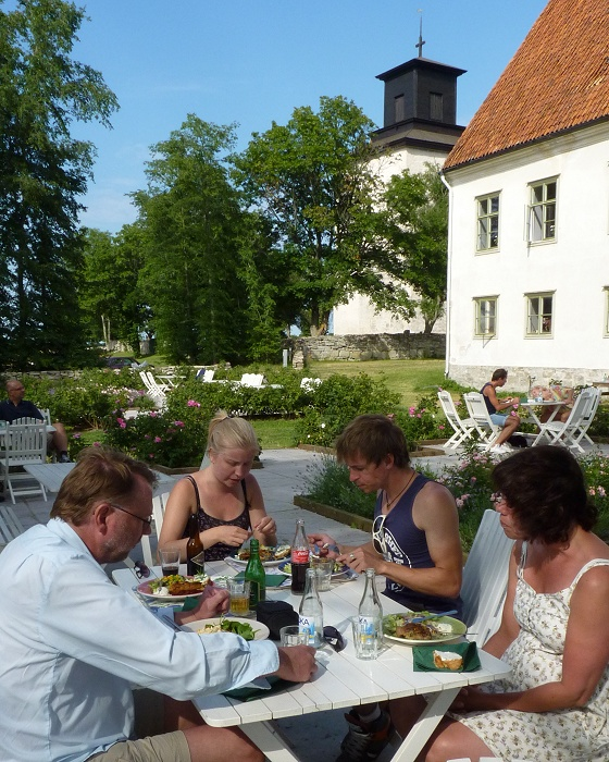 Outdoor lunch in Vamlingbo, Gotland