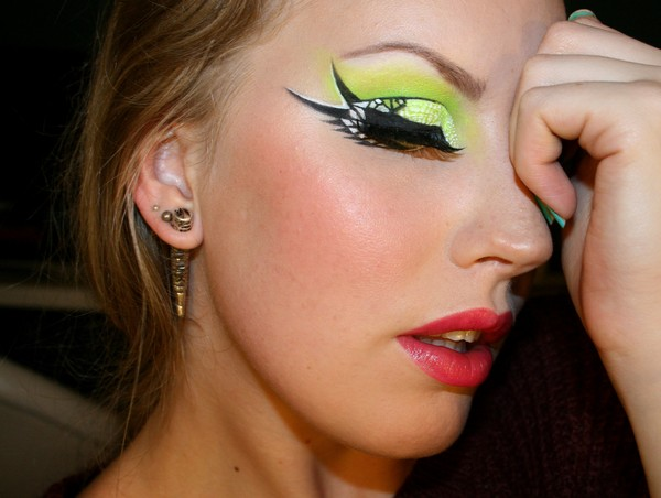 Bird Face Makeup