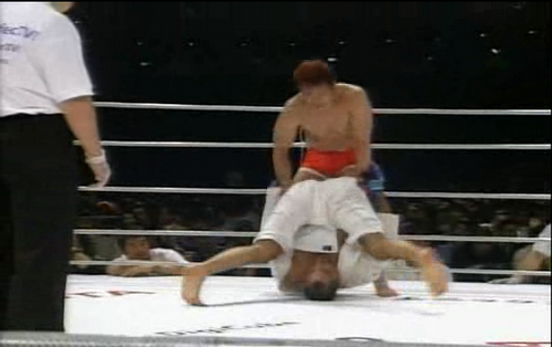Sakuraba vs Royce - Royce on his head